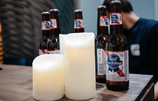 Дегустация пива Pabst Blue Ribbon